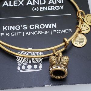 NWT Alex and Ani King's Crown Bangle Bracelet